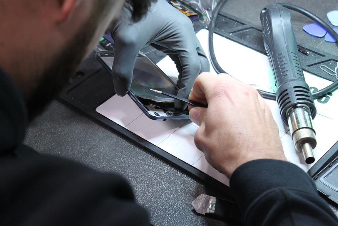écran cassé reparation de téléphone
