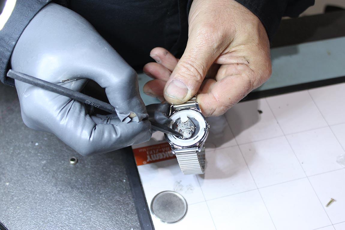 changer pile de montre chambéry